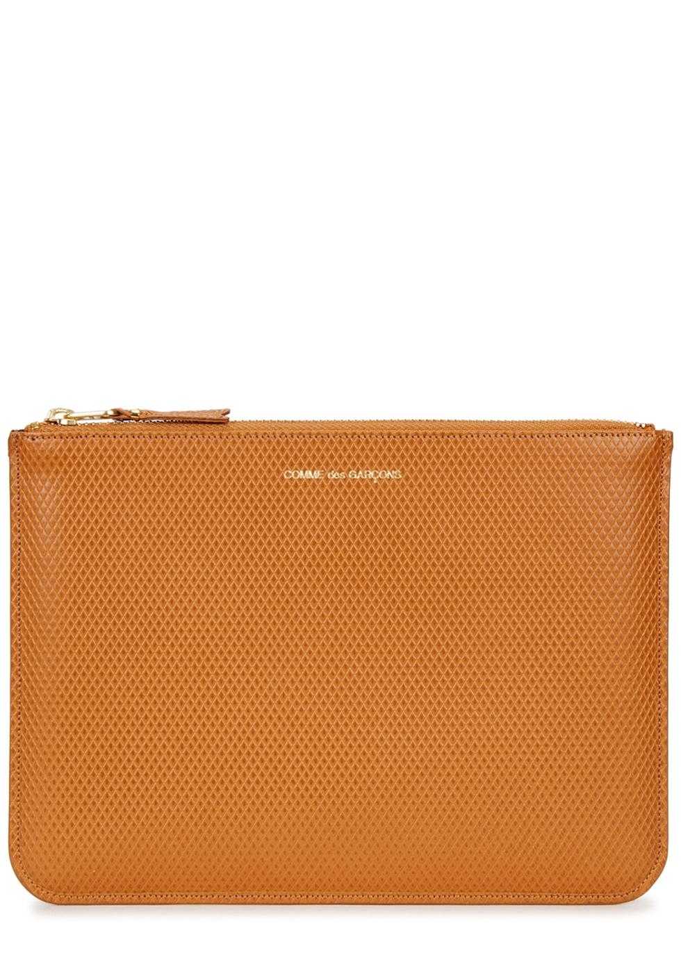 Caramel embossed leather pouch - Comme des Garçons