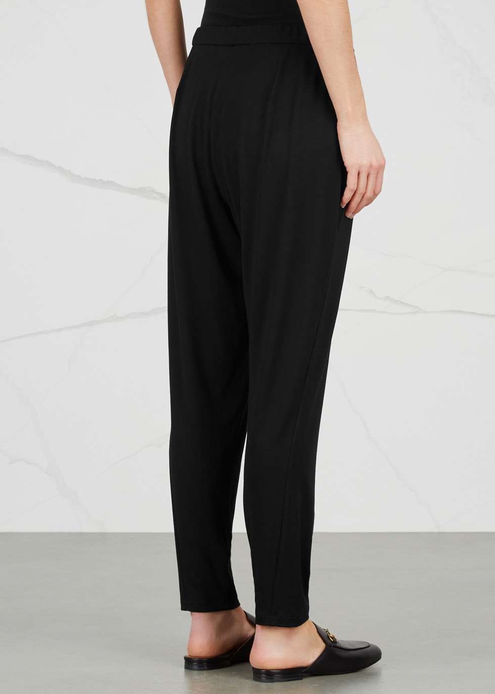 Black tapered jersey trousers - EILEEN FISHER