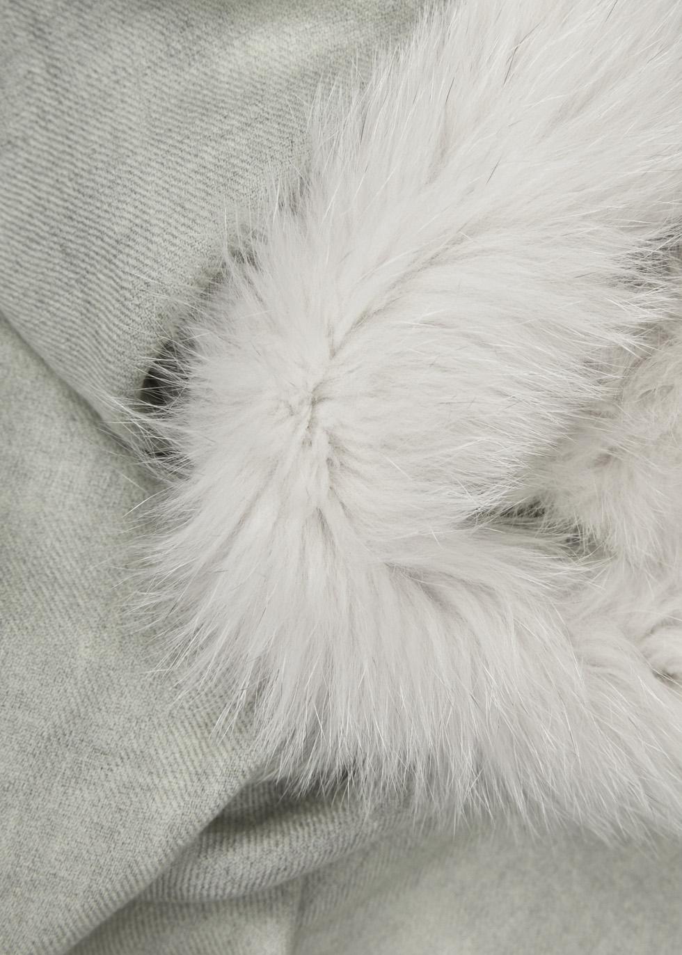 Ash grey fur-trimmed wool scarf - AMA Pure