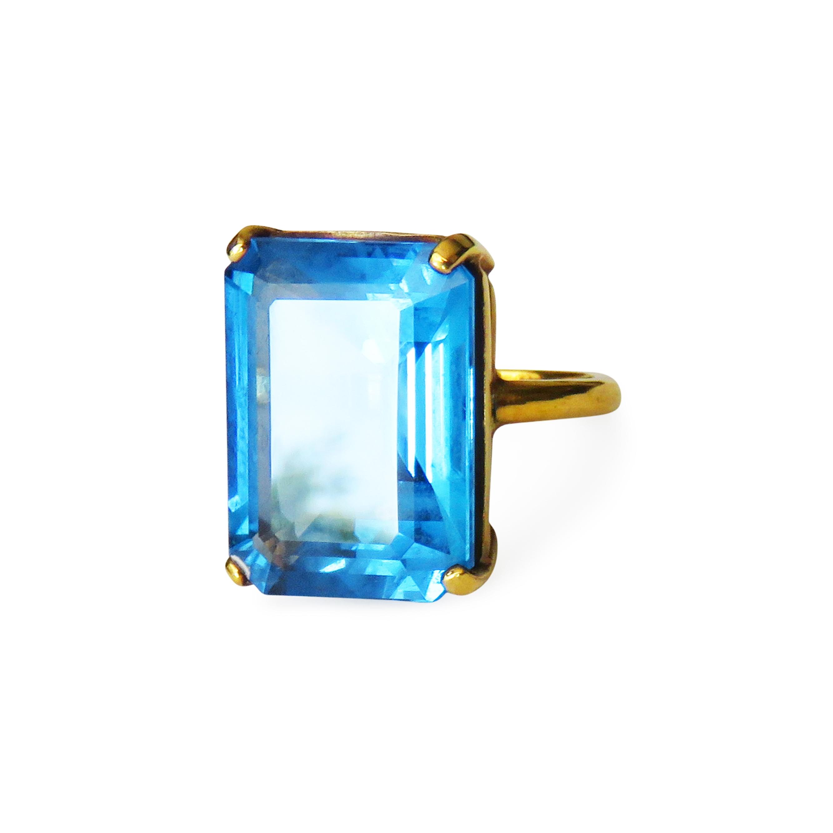 ISABEL ENGLEBERT Princess Blue Topaz Ring