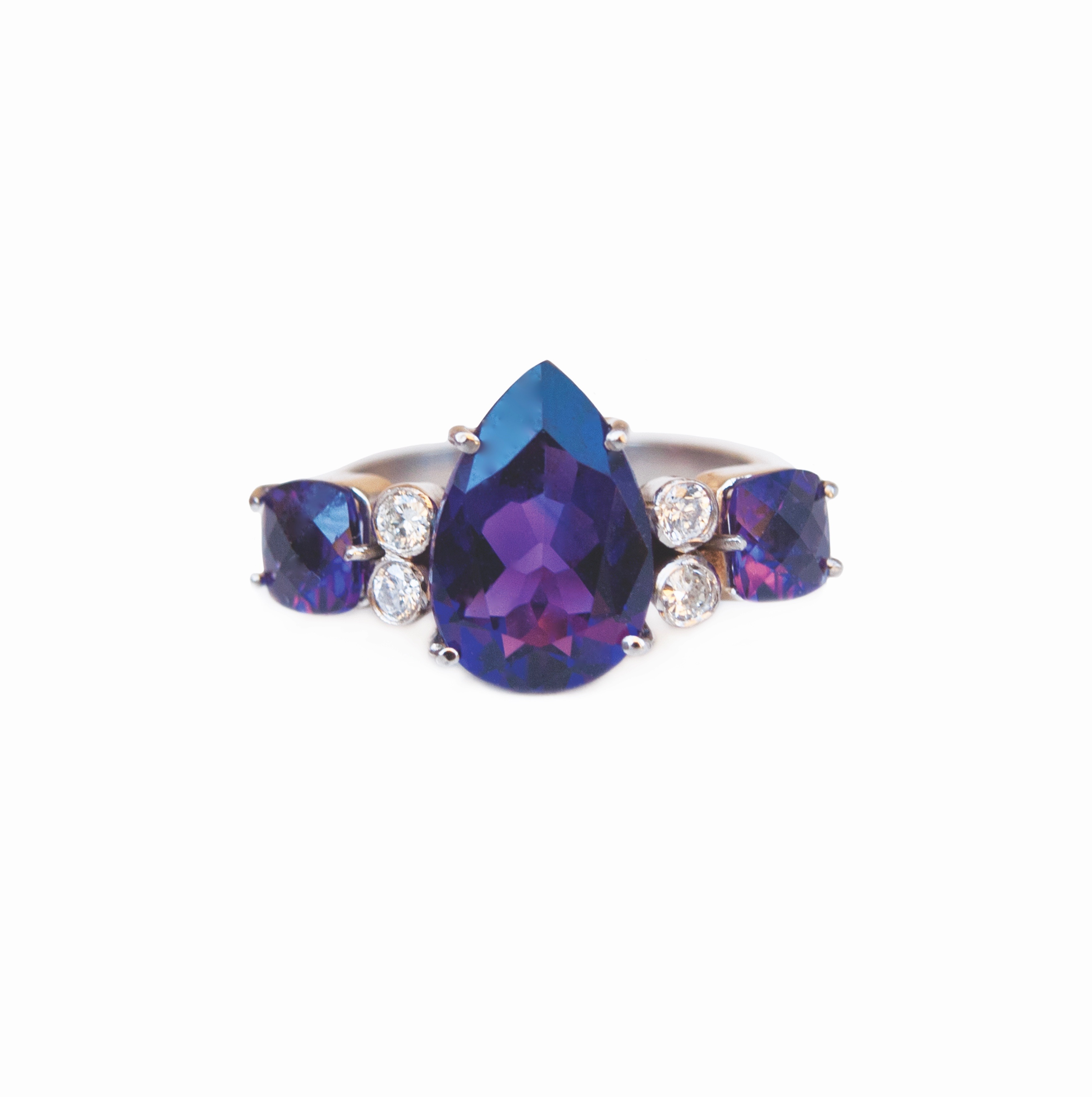 ISABEL ENGLEBERT EMPRESS AMETHYST DIAMOND RING