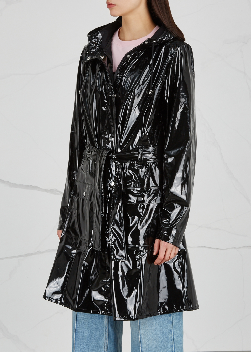 Glossy Curve patent rubberised raincoat - Rains