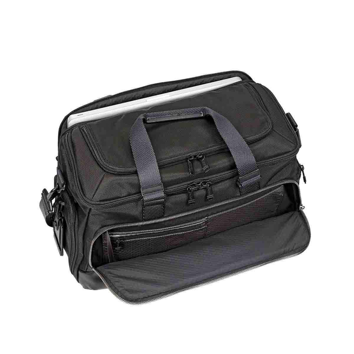 Tumi 232322 mccoy gym bag - Tumi
