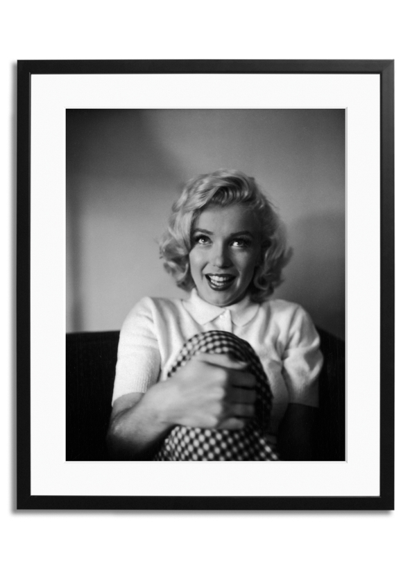 b1ce7d2bd687 Marilyn monroe in banff springs hotel - large black frame and mount