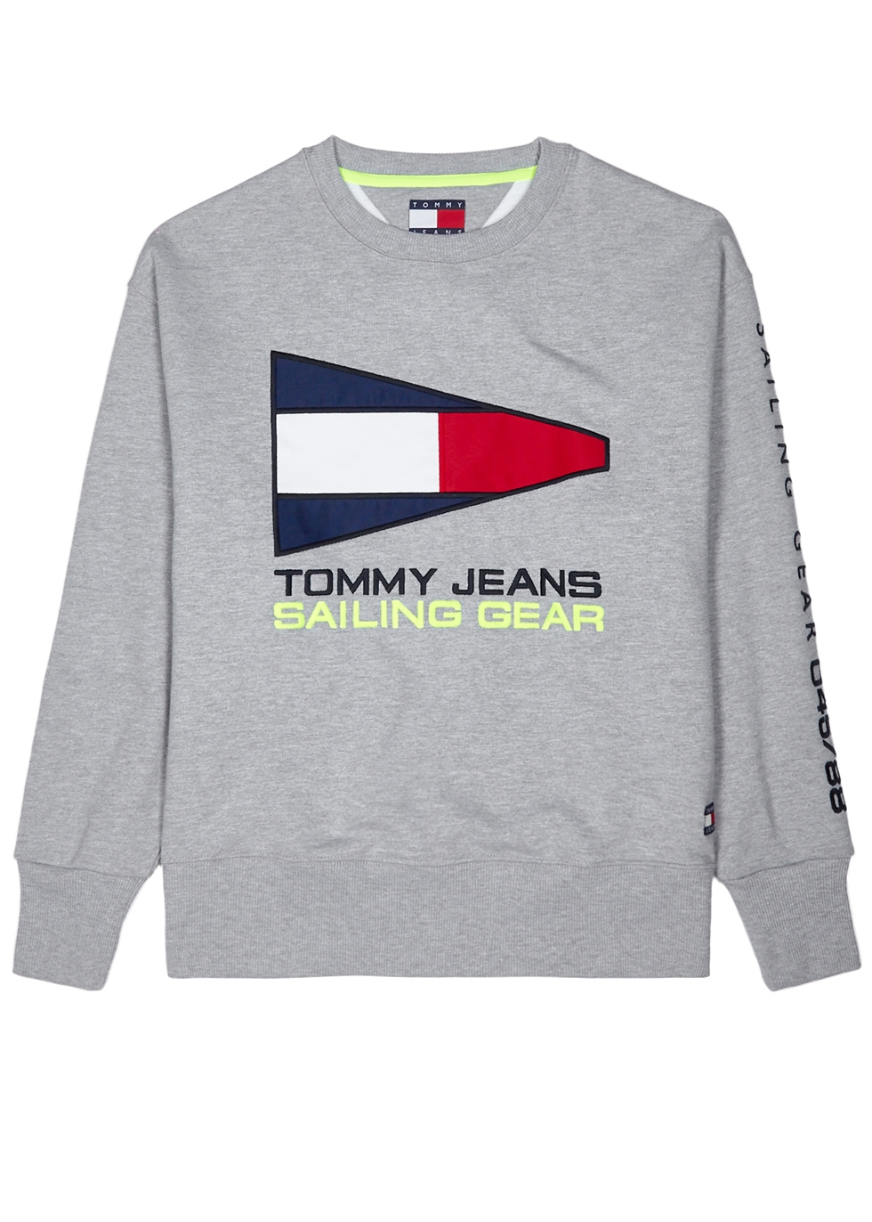 TOMMY JEANS 90S Sailing Capsule Flag Logo Crew Neck Sweatshirt In Gray Marl - Gray in Grey