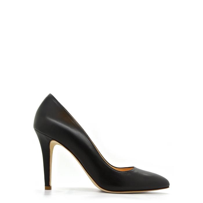 black almond toe pumps - 700×700