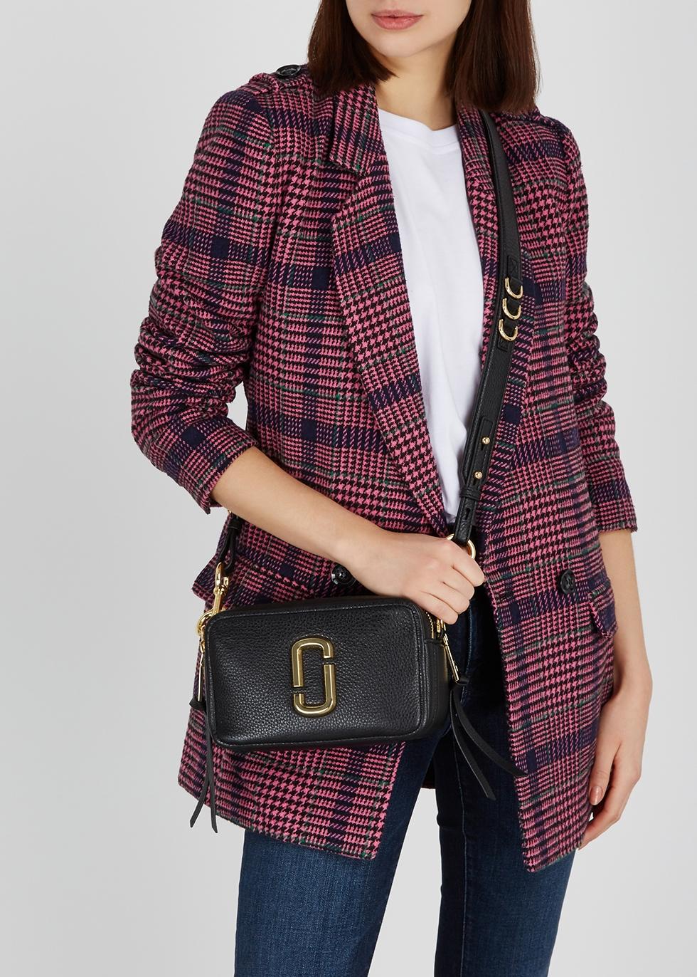 a2ad0ac983fb Marc Jacobs Softshot 21 black leather shoulder bag - Harvey Nichols