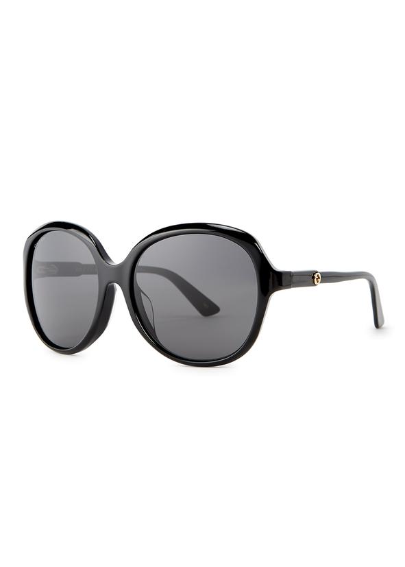8f86f76a39d Black oversized sunglasses. New Season. Gucci