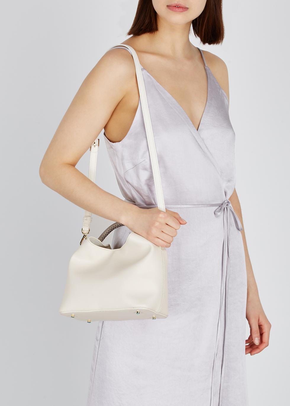 dfe794da449a Women s Designer Bags