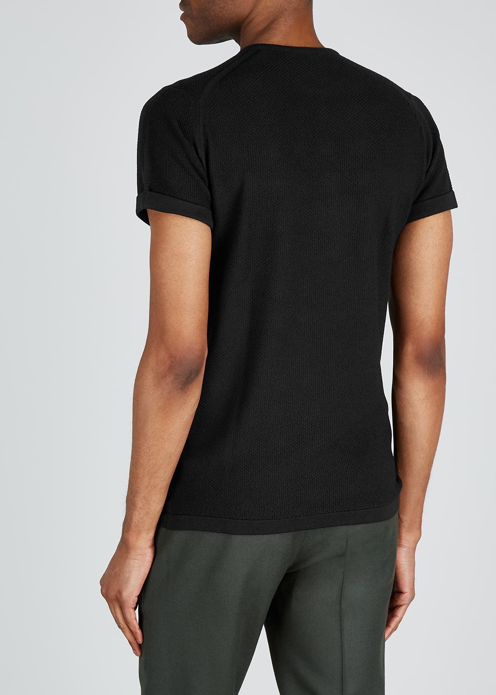 2. Singular black wool T-shirt - John Smedley