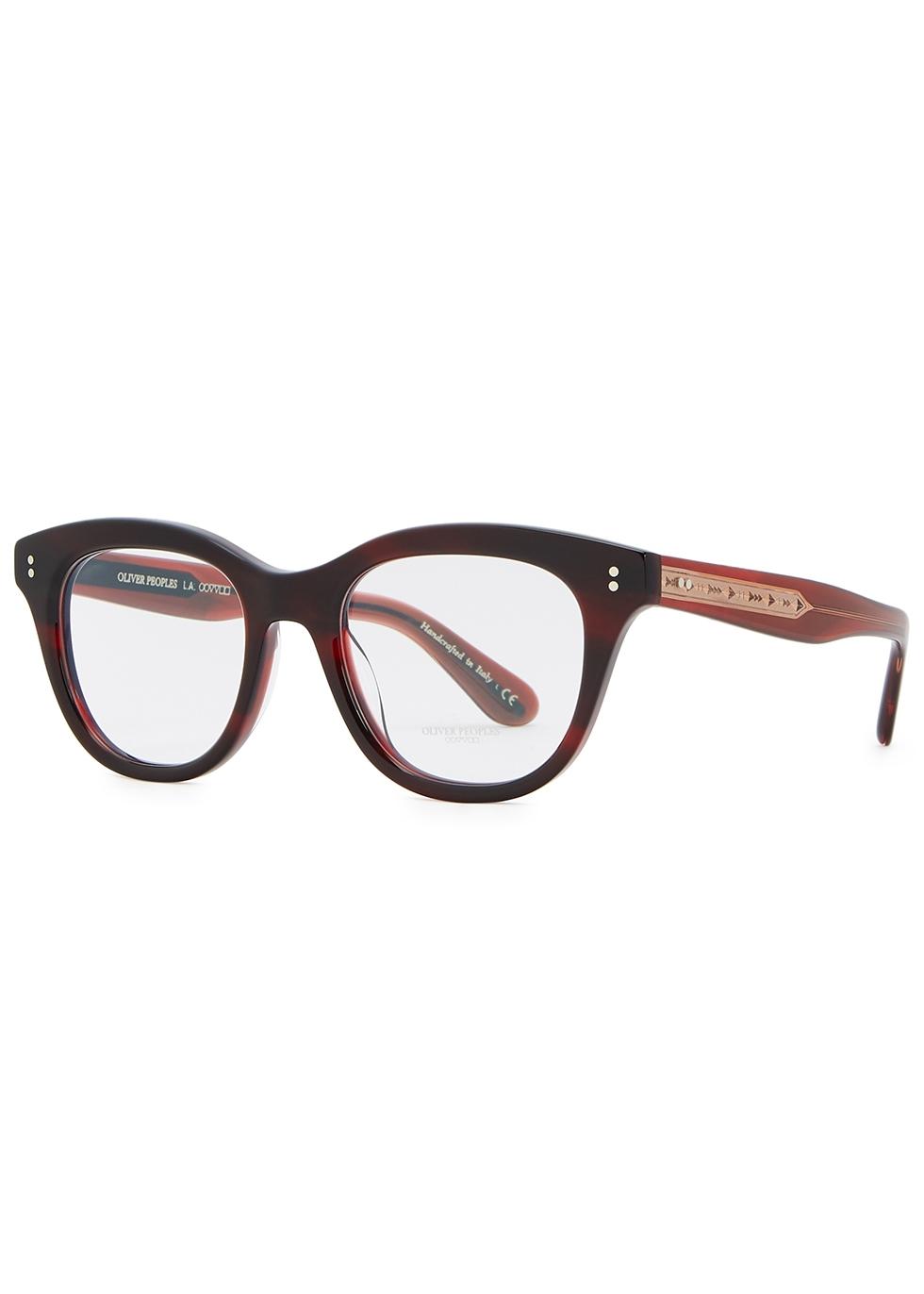 Red wayfarer-style optical glasses