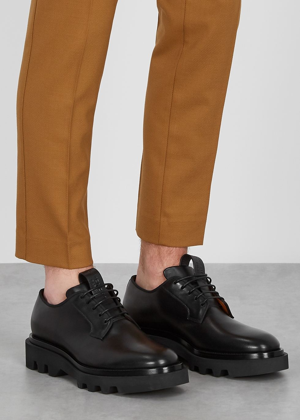 casual black leather derby shoes