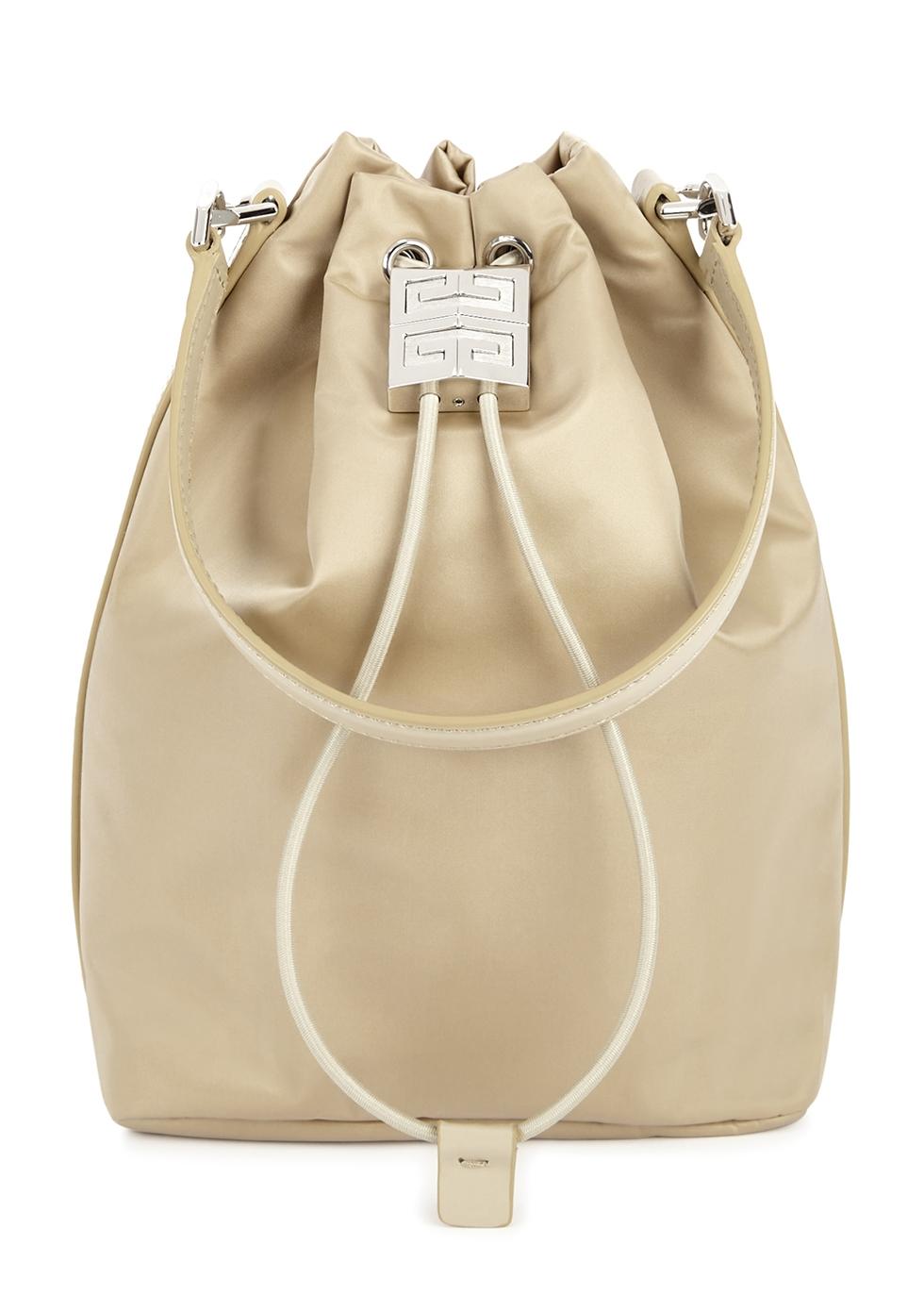 4G Light sand shell bucket bag