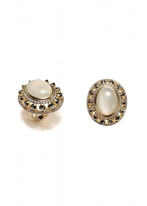 ARA VARTANIAN MOONSTONE AND DIAMONDS RING