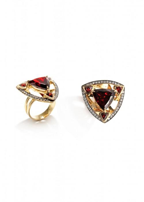 ARA VARTANIAN Garnet And Diamonds Ring